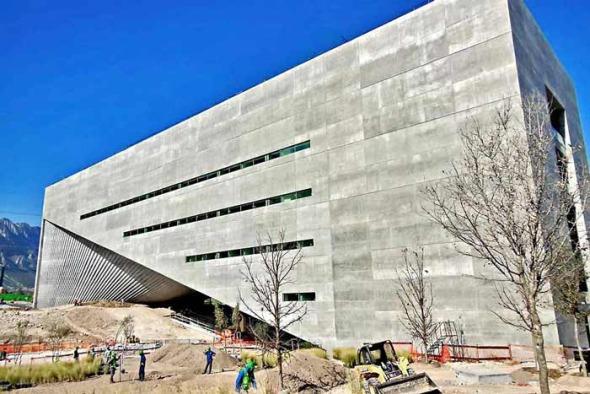 Centro Roberto Garza Sada de Arte de Tadao Ando se inaugura hoy