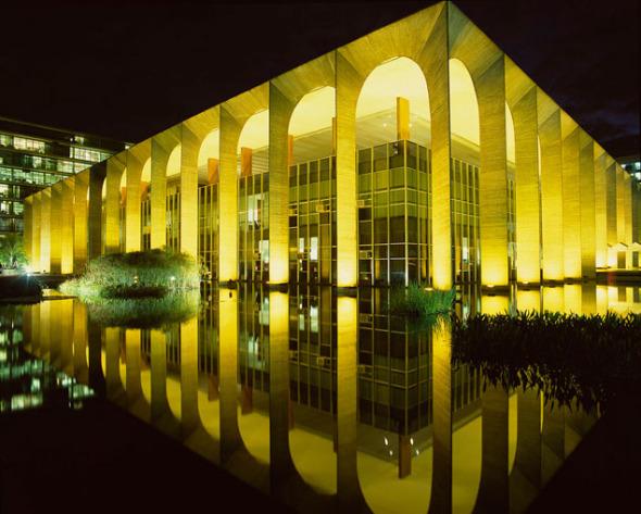 Oscar Niemeyer, fabricante de sueños
