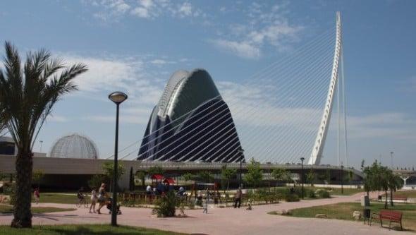 El restaurante que Calatrava proyectó en el puente l'Assut d'Or fue desestimado