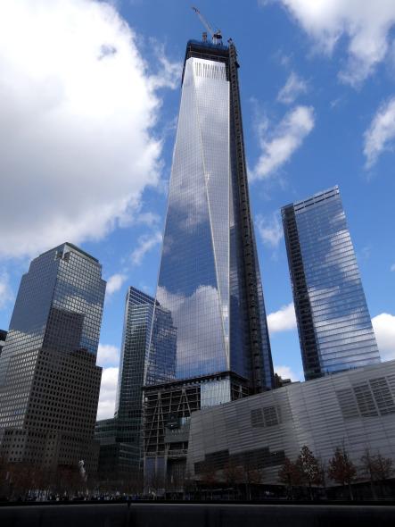 Video del One World Trade Center que se ha convertido en el edificio más alto del hemisferio occidental