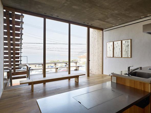 Casa con equilibrio noticias de arquitectura buscador - Paredes de vidrio exterior ...