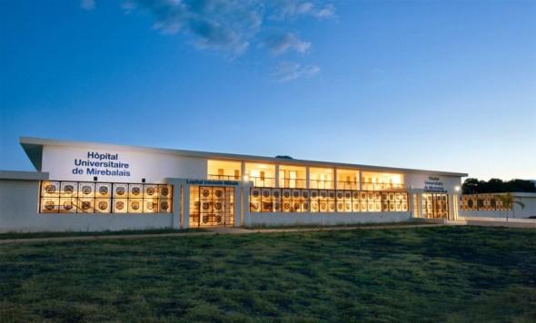 Hospital de energía solar más grande del mundo abre en Haití
