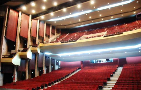 Una arquitectura que replica la orografía de una ciudad. Auditorio de Guanajuato. Abraham Zabludovsky