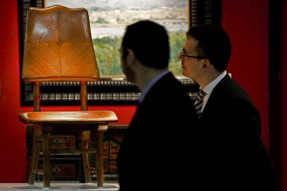 Vendida en subasta la silla de la casa Batló de Gaudí