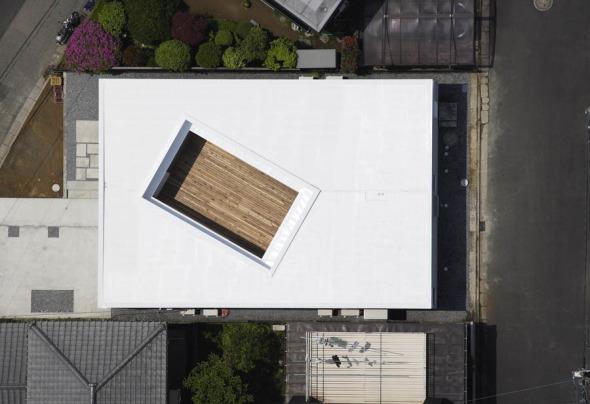 Patio privado. F-WHITE / Takuro Yamamoto Architects