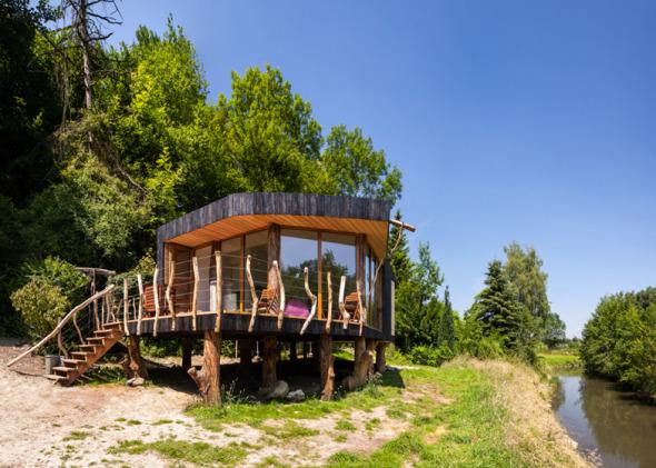 Casa de madera carbonizada