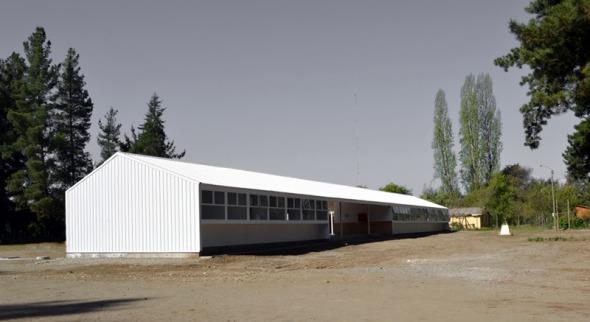 Reconstrucción de escuela rural