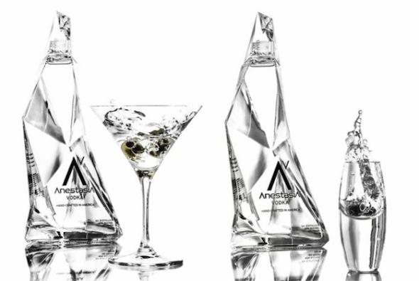 Zaha Hadid y Karim Rashid diseñan botellas de alcohol