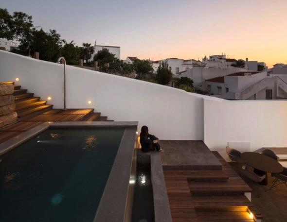 Arquitectura y paisaje en equilibrio: la Casa 103