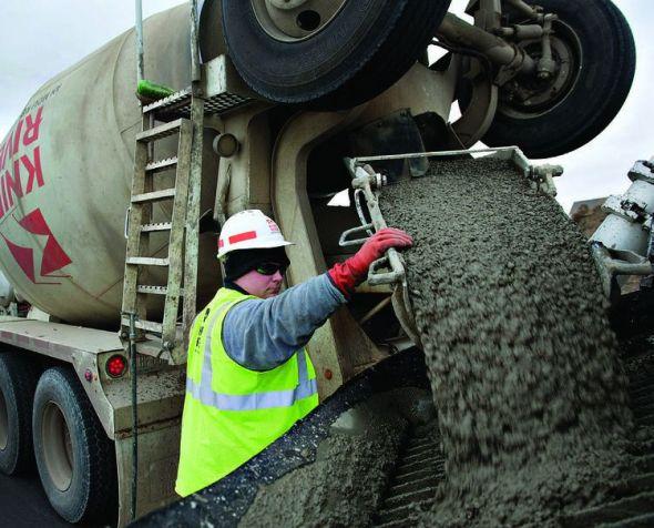 Aditivos para mezcla de concreto con una sobresaliente fluidez