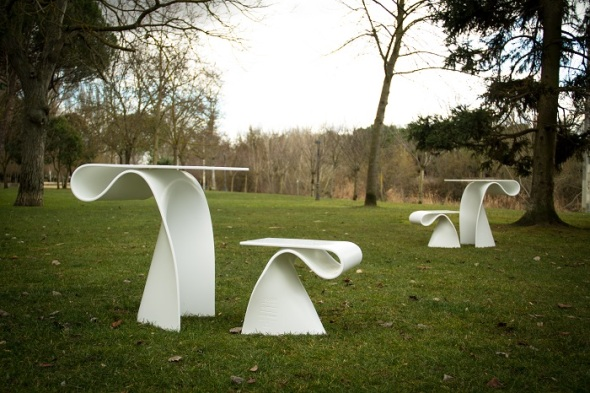 Mesas y taburetes Yerba