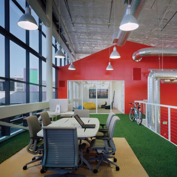 Google era un mundo de cubículos cuando empezamos a diseñar oficinas para ellos