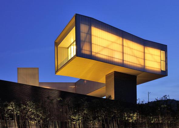 Steven Holl hace recorrido en su reciente obra. Sifang Art Museum
