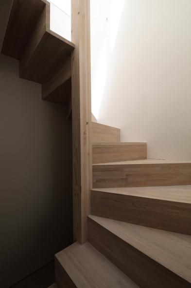 Casa de tres metros de ancho noticias de arquitectura for Escalera de 5 metros