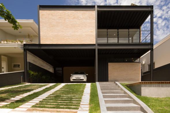 Por su geometr a esta casa en brasil se construy for Cocinas integrales armables