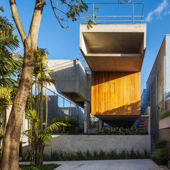 2265dbced0cc6 Casa de fin de semana con piscina elevada - Noticias de Arquitectura ...
