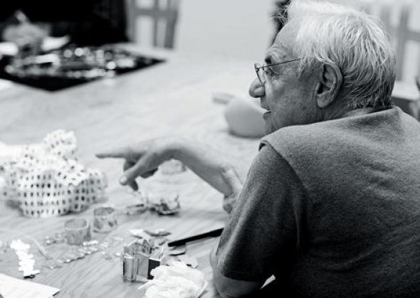 Frank Gehry se manifiesta tardíamente