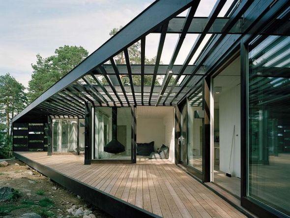 Casa ligera en madera y vidrio