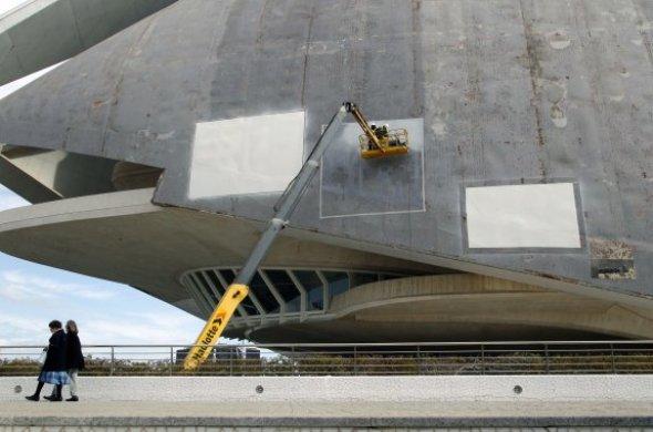 Calatrava y las constructoras apoyan reponer el trencadís en Les Arts