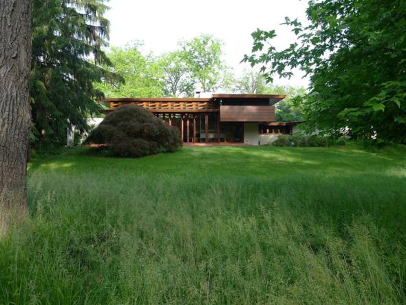 La titánica labor de desarmar y armar una casa de Frank Lloyd Wright en un año