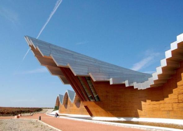 Domecq arregla goteras en instalaciones hechas por Santiago Calatrava