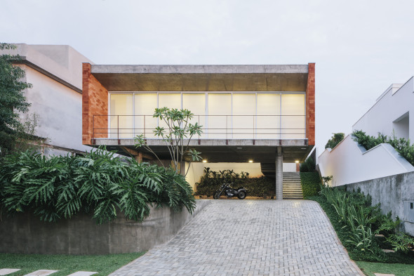 Casa Monolítica en Brasil