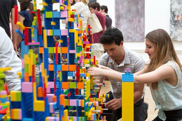 Zaha Hadid, Rogers Stirk Harbour entre otros juegan LEGO juntos