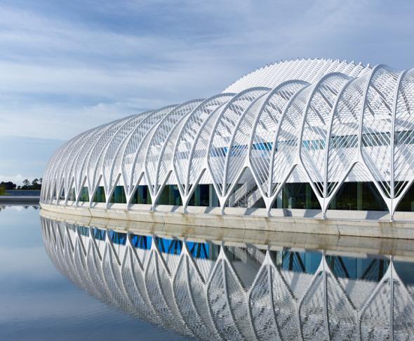 Santiago Calatrava concluye su jaula para aves