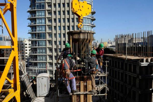 Cómo son las grúas utilizadas para las obras en altura