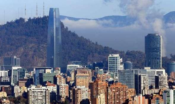 La solución de Santiago es crecer hacia arriba