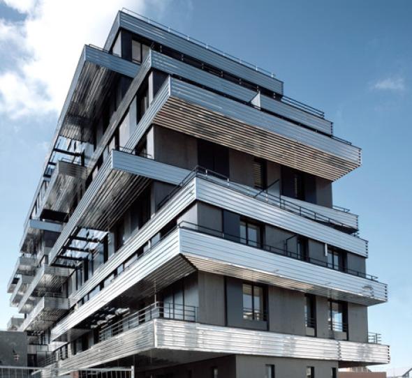Balcones reflectantes para las residencias.