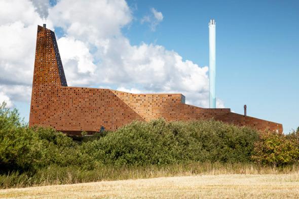Torre en Dinamarca Genera Electricidad con Basura