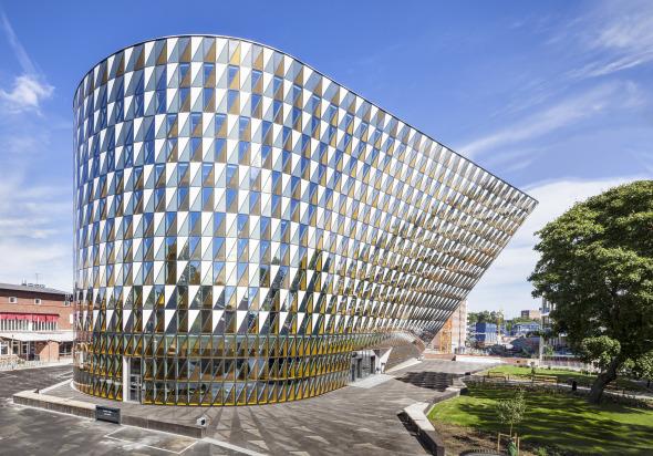 Edificio Abstracto de Cristal