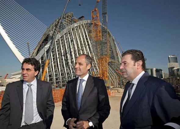Calatrava amenazó al Consell con no terminar