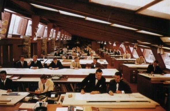 Frank Lloyd Wright en perspectiva de sus mujeres