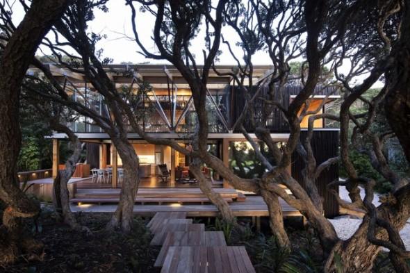 Una vivienda entre los árboles