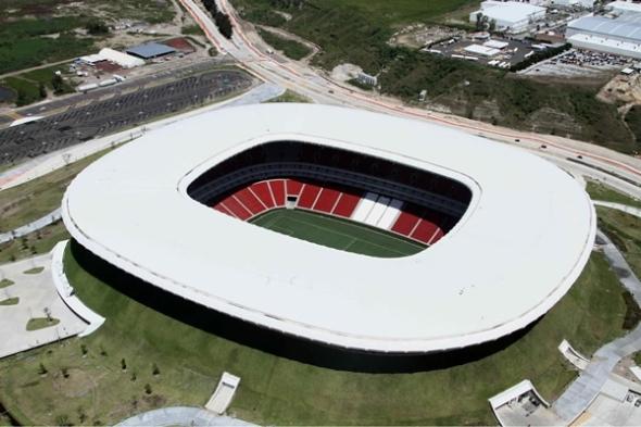 El Estadio Omnilife no es un capricho arquitectónico. Daniel Pouzet