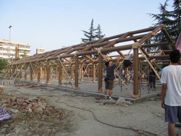 Arquitectura instantánea. Escuela china construida con tubos de cartón