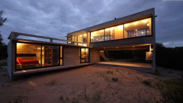 Casa de volúmenes intersectados