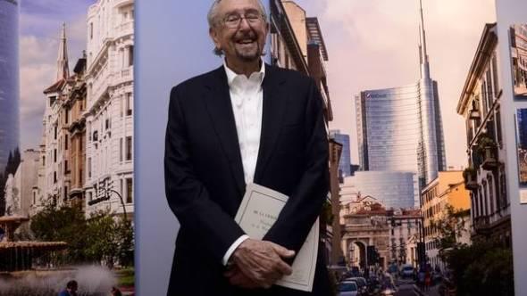 Buenos Aires distinguió a Pelli, quien hoy inaugura una muestra
