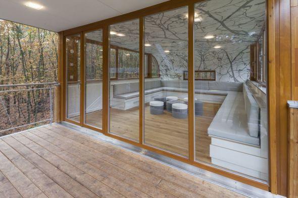 Casa entre Árboles Contemporánea