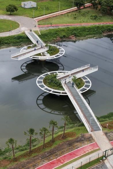 Urbanismo: Puente Giratorio para ciclistas y peatones