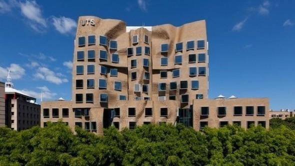 El arquitecto estadounidense Frank Gehry termina su primer edificio en Australia