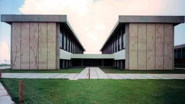La represión franquista obligó a miles de arquitectos vascos a exiliarse