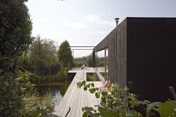 Pabellón de madera de 50 metros cuadrados