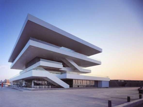 Arquitectos galácticos en España