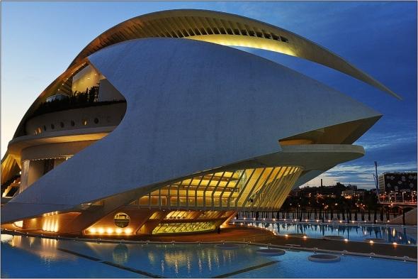 El Palau de Les Arts de Santiago Calatrava recupera el trencadís