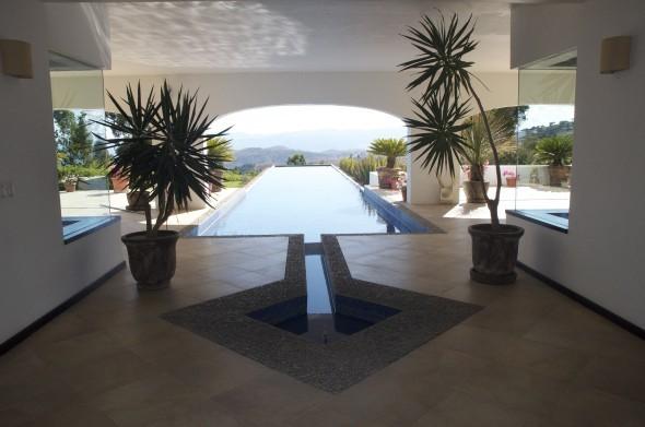 Contratista gana millones tras vender casa a Presidente de México