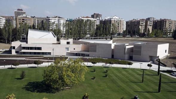 Reyes de España inauguran Museo Universidad de Navarra de Rafael Moneo