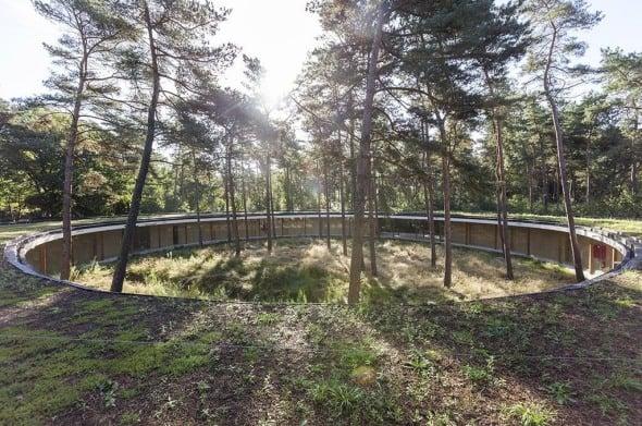 Arquitectura de paisaje en un bosque de 300 hectáreas